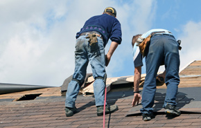 roof repair men 2